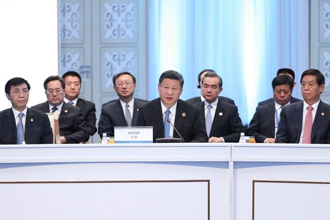 习近平出席上海合作组织成员国元首理事会会议