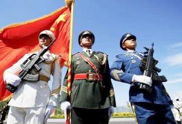 出席解放军和武警部队代表团全体会议